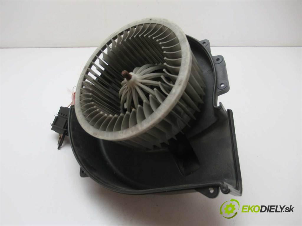 Volkswagen Fox  2005  1.2B 55KM 03-11 1200 ventilátor - topení 6Q1819015G (Ventilátory topení)