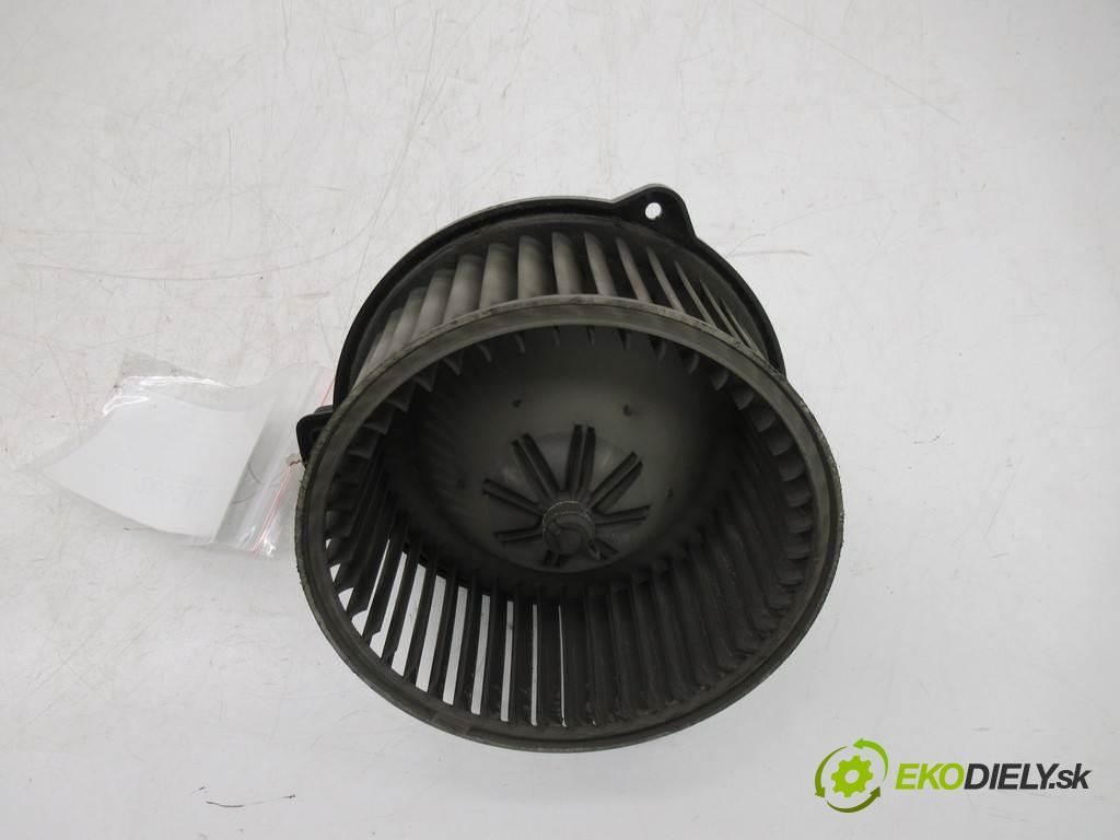Toyota Corolla E11 LIFT  2001  LIFTBACK 5D 1.4B 97KM 99-02 1400 ventilátor - topení 0130111164 (Ventilátory topení)