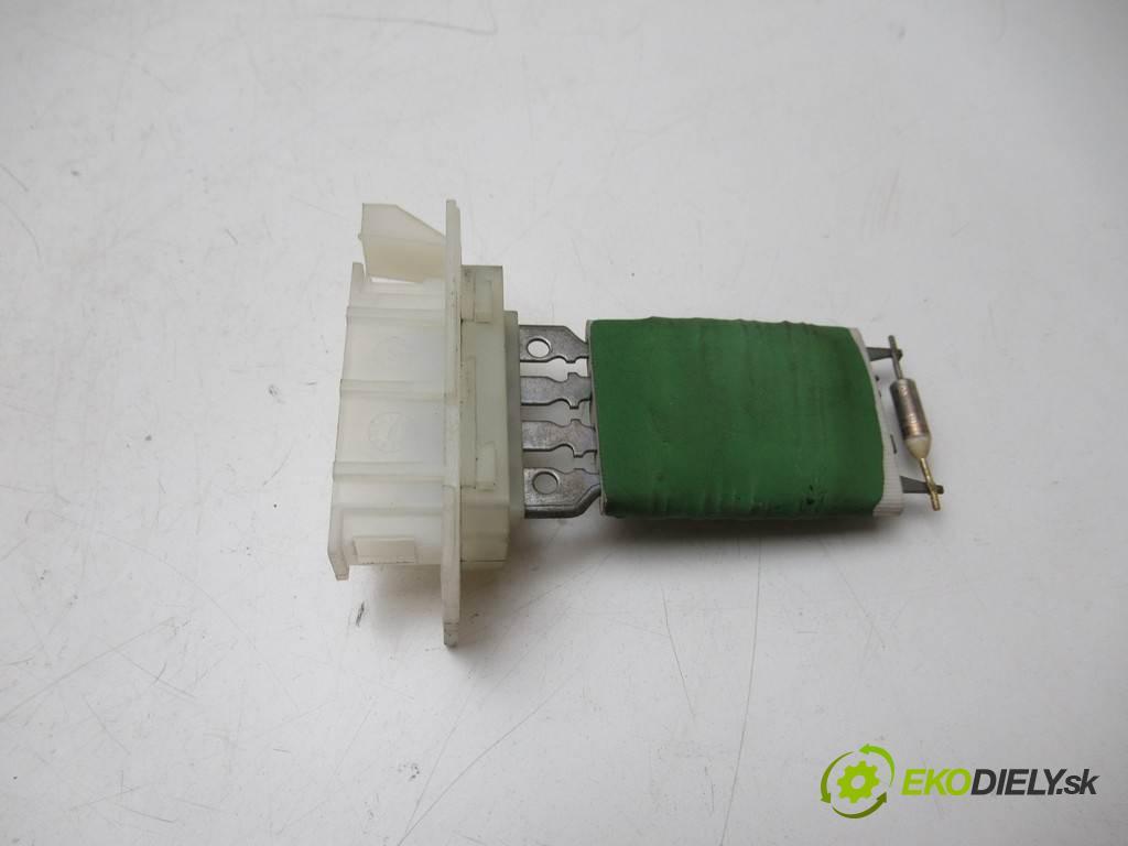 Opel Vectra C LIFT  2007 120KM SEDAN 4D 1.9CDTI 120KM 02-08 1900 odpor rezistor topení vzduchu  (Odpory topení)