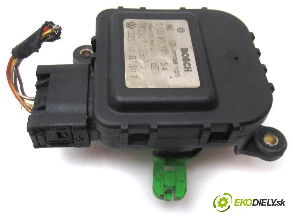 Audi A3 8L    HATCHBACK 3D 1.6B 101KM 96-00  motorek topení 0132801117 (Motorky topení)