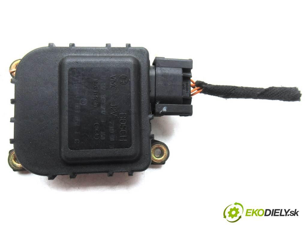 Citroen C5  2002  HATCHBACK 5D 2.0HDI 109KM 01-04 2000 motorek topení 01328012173 (Motorky topení)