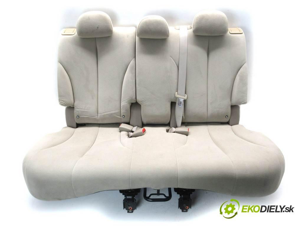 Nissan Tiida  2008 110KM HATCHBACK 5D 1.6B 110KM 04-12 1600 Sedadlo zad  (Sedačky, sedadlá)