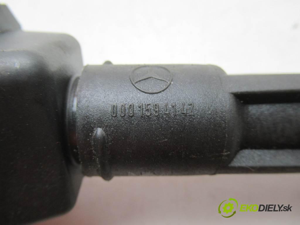 Mercedes-Benz W210    KOMBI 5D 4.2B 279KM 95-99  Cievka zapaľovacia 0221504001 (Zapaľovacie cievky, moduly)