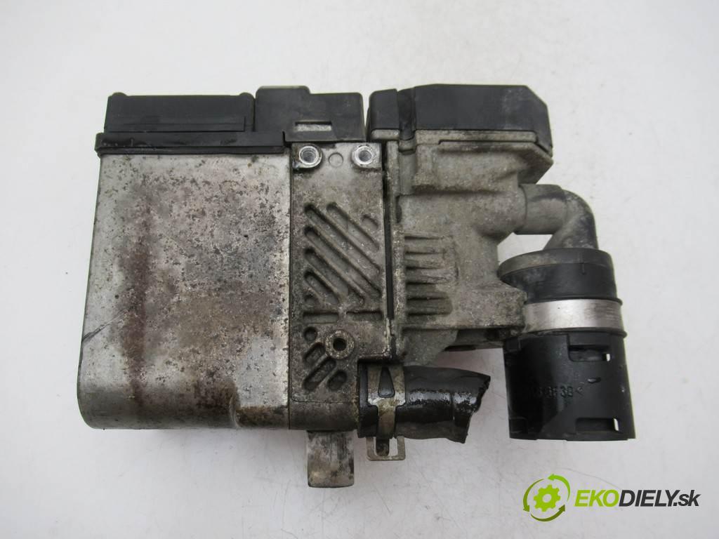 Mazda 6  2004  SEDAN 4D 2.0D 136KM 02-05 2000 Webasto RF5C-209A0 (Webasto ohřívače)