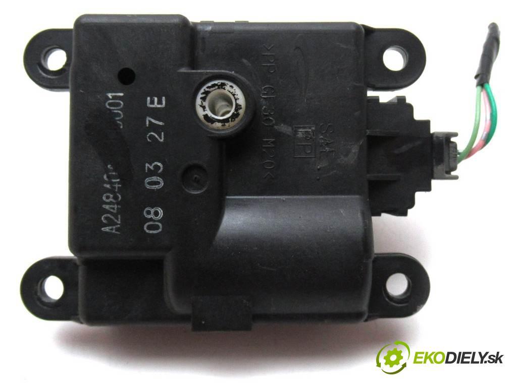 Honda Civic VIII    HATCHBACK 5D 1.4B 83KM 06-11  motorek topení A24840A3700001 (Motorky topení)