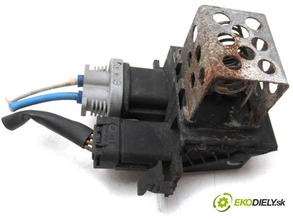 Citroen Berlingo II    III 12-15 FL 1.6 e-HDI 92KM  odpor rezistor ventilátoru 9673999880 (Odpory topení)
