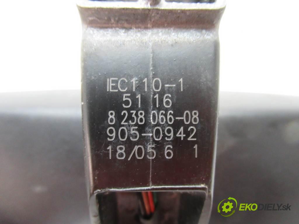 BMW 5 E60  2005 160 kw SEDAN 4D 3.0D 218KM 02-10 3000 Spätné zrkadlo vnútorné  (Spätné zrkadlá vnútorné)