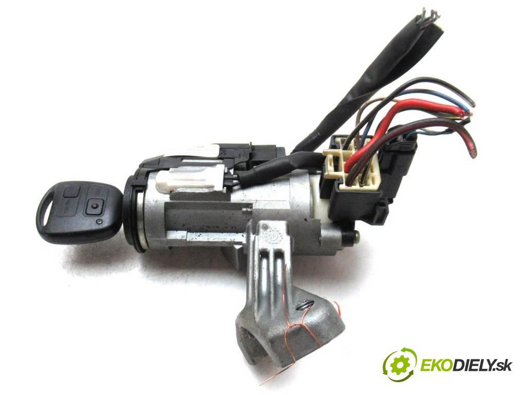 Toyota Corolla E12  2005  HATCHBACK 5D 1.4VVTI 97KM 02-07 1400 spinačka 45020-02-4 (Spínacie skrinky a kľúče)