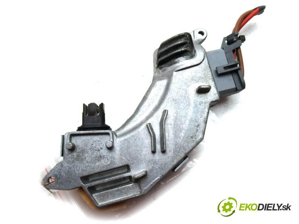 Opel Vectra C  2005 150KM KOMBI 5D 1.9CDTI 150KM 02-08 1900 odpor rezistor topení vzduchu 73421312U (Odpory topení)