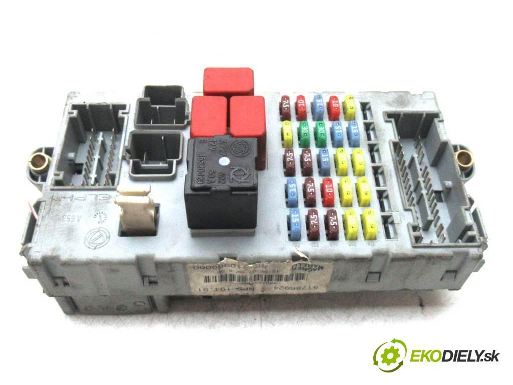 Fiat Croma  2007  KOMBI 5D 1.8B 140KM 05-11 1800 skříňka poistková 51786924 46846745 (Pojistkové skříňky)