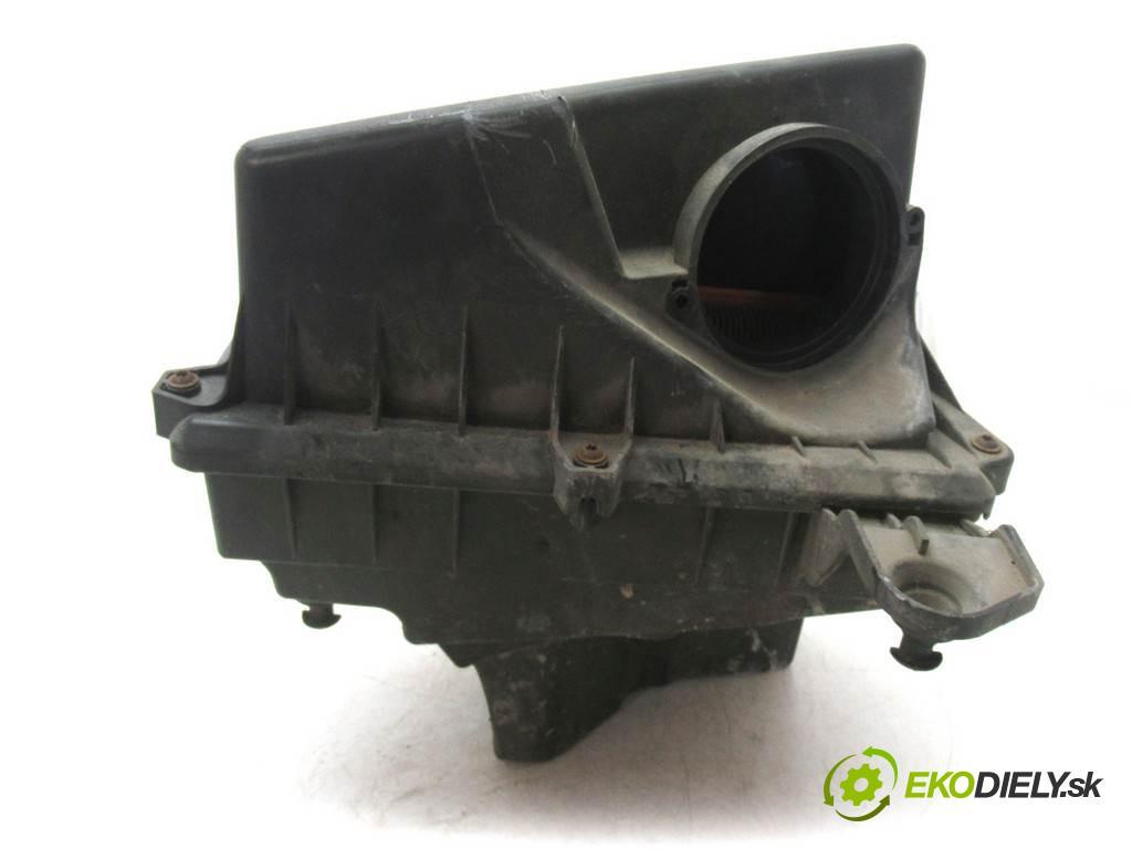 Volvo V50  2005 100 kw KOMBI 5D 2.0D 136KM 04-12 2000 obal filtra vzduchu 3M51-9600 (Kryty filtrů)