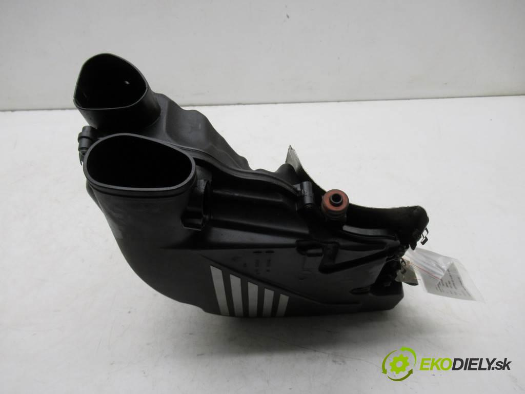 BMW F01 750i    SEDAN 4D 4.4B 408KM 08-15  obal filtra vzduchu 7577467 (Kryty filtrů)