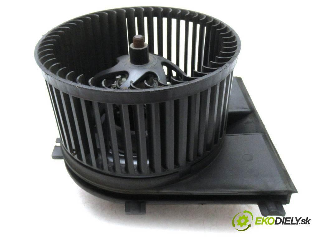 Volkswagen Bora  2000  KOMBI 5D 1.9TDI 115KM 98-05 1900 ventilátor - topení 1J1819021A (Ventilátory topení)