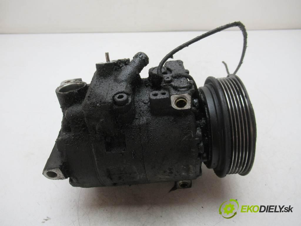 Audi A4 B5  1996 110 kw SEDAN 4D 2.6B 150KM 94-99 2600 kompresor klimatizace  (Kompresory)