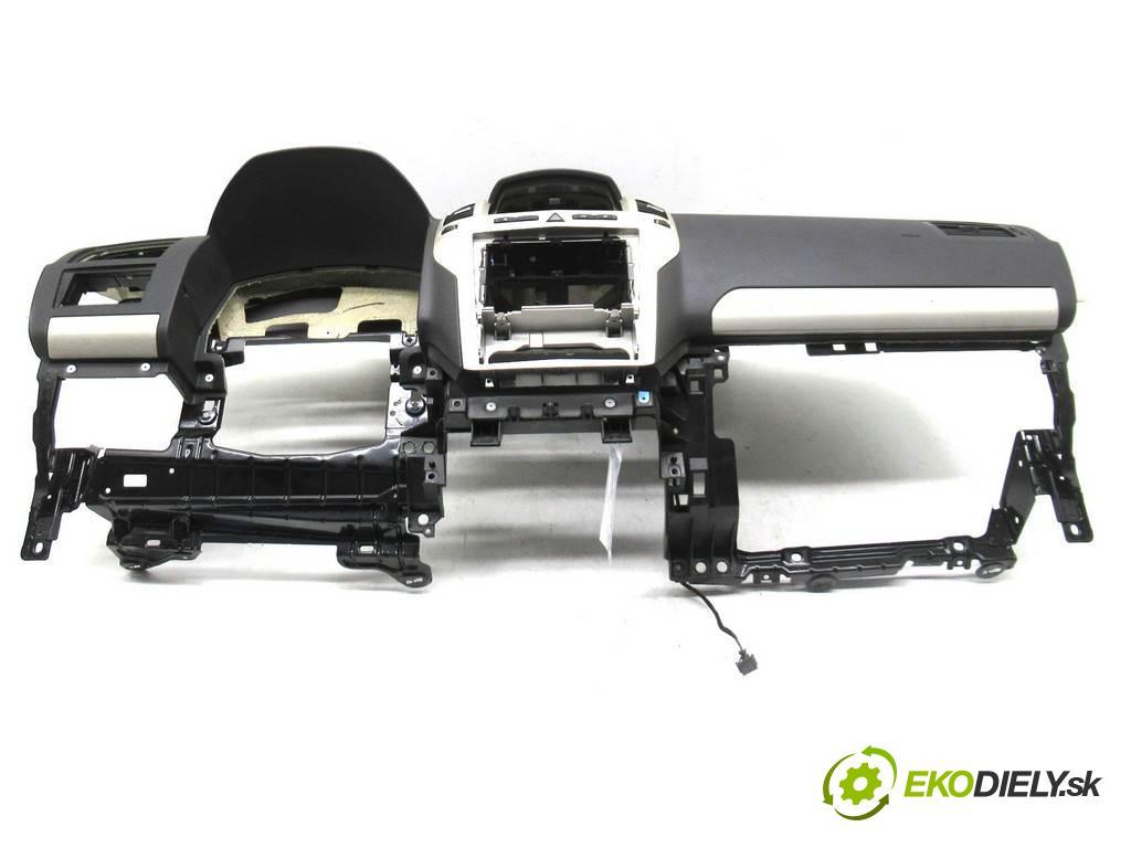 Opel Zafira B  2008  1.8B 140KM 05-14 1800 Palubná doska  (Palubné dosky)