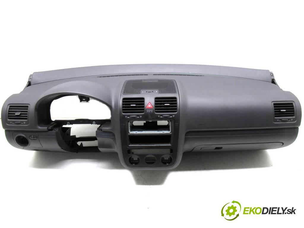 Volkswagen Golf V  2004 55 kw HATCHBACK 3D 1.4B 75KM 03-09 1400 Palubná doska  (Palubné dosky)