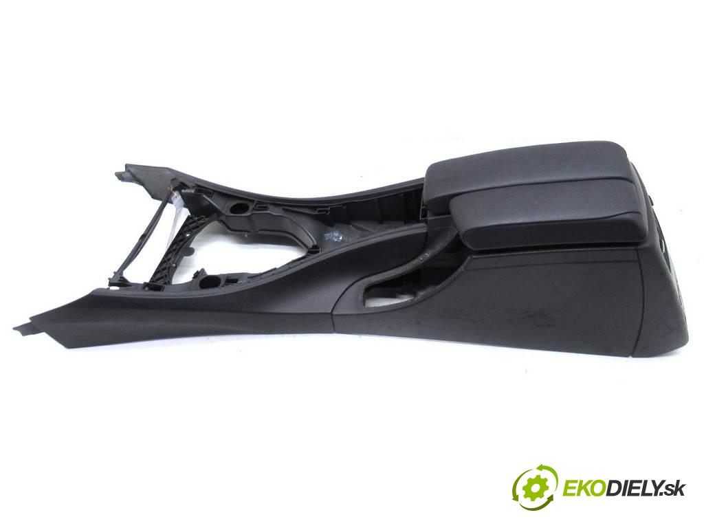BMW E90  2005  KOMBI 5D 2.0D 163KM 04-08 2000 Tunel stredový 52490071  (Stredový tunel / panel)