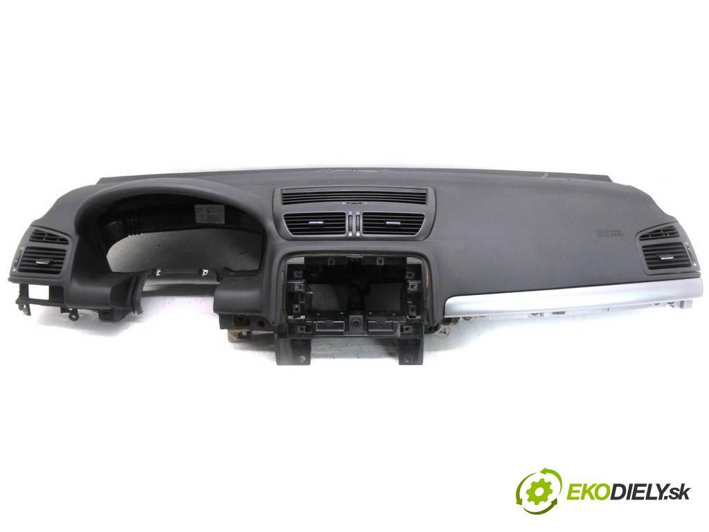 Fiat Croma  2010  LIFT KOMBI 5D 1.9TJD 120KM 05-11 1900 Palubná doska  (Palubné dosky)