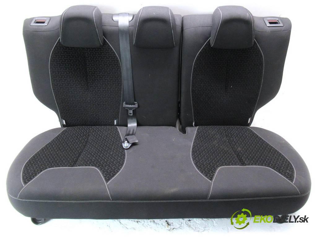 Citroen C3 II  2011 54 kW VTR+ HATCHBACK 5D 1.4B 73KM 09-16 1360 Sedadlo zad  (Sedačky, sedadlá)