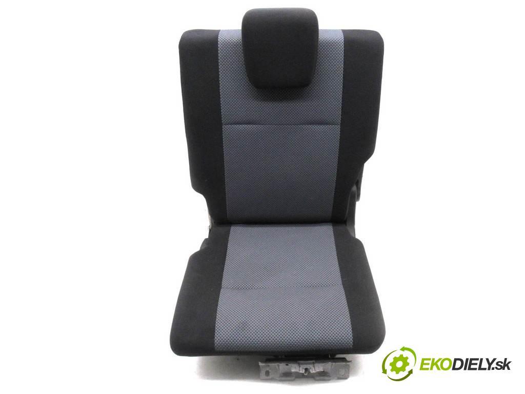 Suzuki Grand Vitara II    3D 1.6B 106KM 05-08  Sedadlo zadný ľavy  (Sedačky, sedadlá)