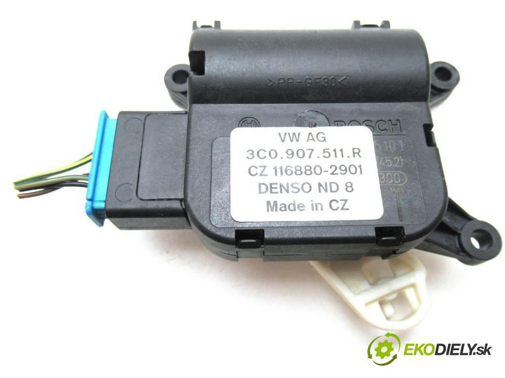 Volkswagen Passat B6    KOMBI 5D 2.0TDI 143KM 05-10  motorek topení 3C1907511R (Motorky topení)