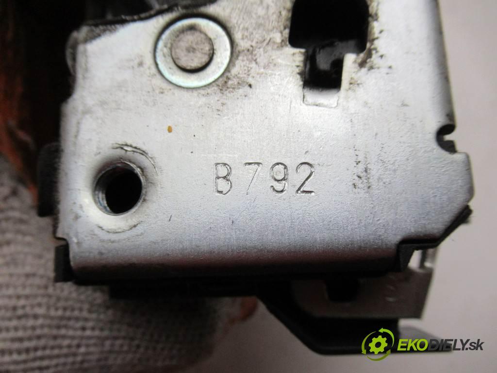 Fiat Doblo  2007 75KM LIFT 1.3D Multijet 75KM 04-09 1300 zámok přední část levý
