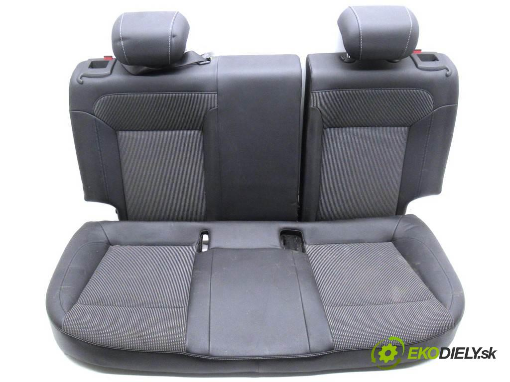 Opel Astra IV J  2010 85 kW HATCHBACK 1.6B 116KM 09-19 1600 Sedadlo zad  (Sedačky, sedadlá)