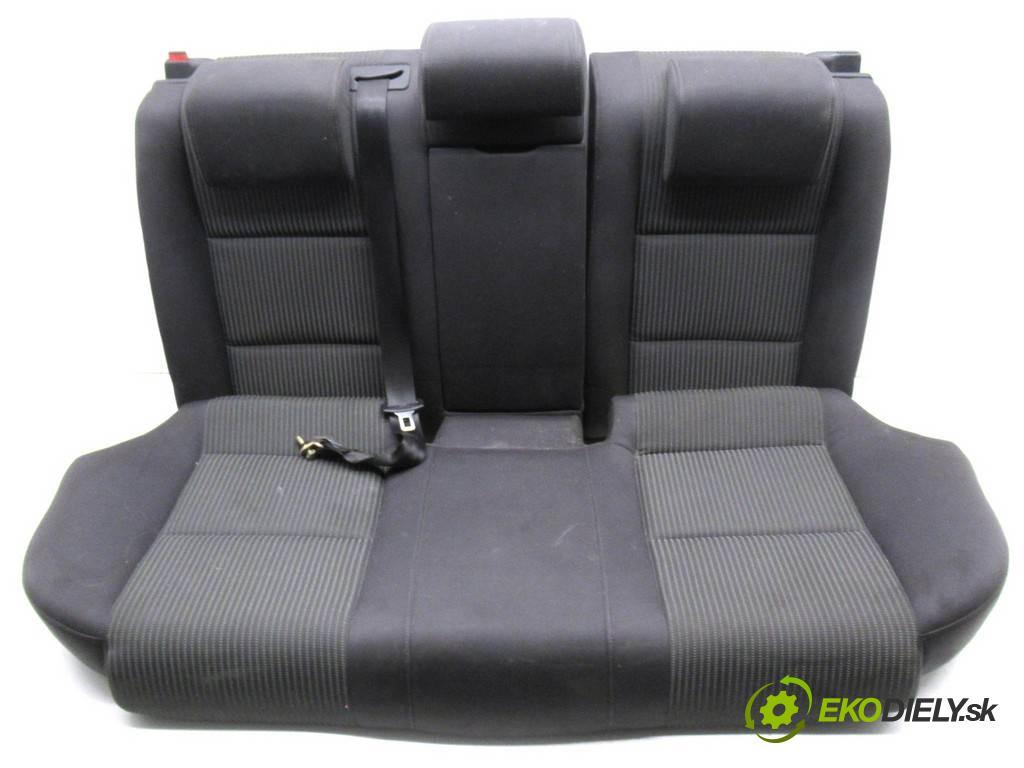 Audi A4 B7  2005 103 kW KOMBI 5D 2.0TDI 140KM 04-08 2000 Sedadlo zad  (Sedačky, sedadlá)