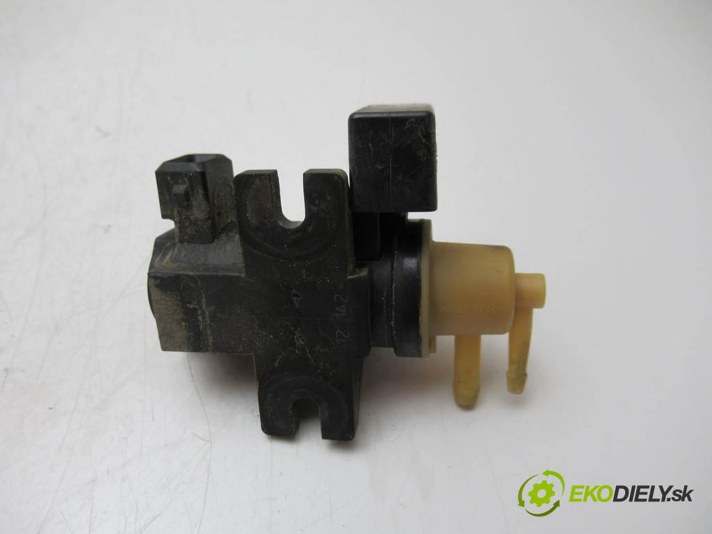 Opel Insignia    HATCHBACK 5D 2.0CDTI 195KM 08-13  Ventil tlaku 55573732 (Ventily)