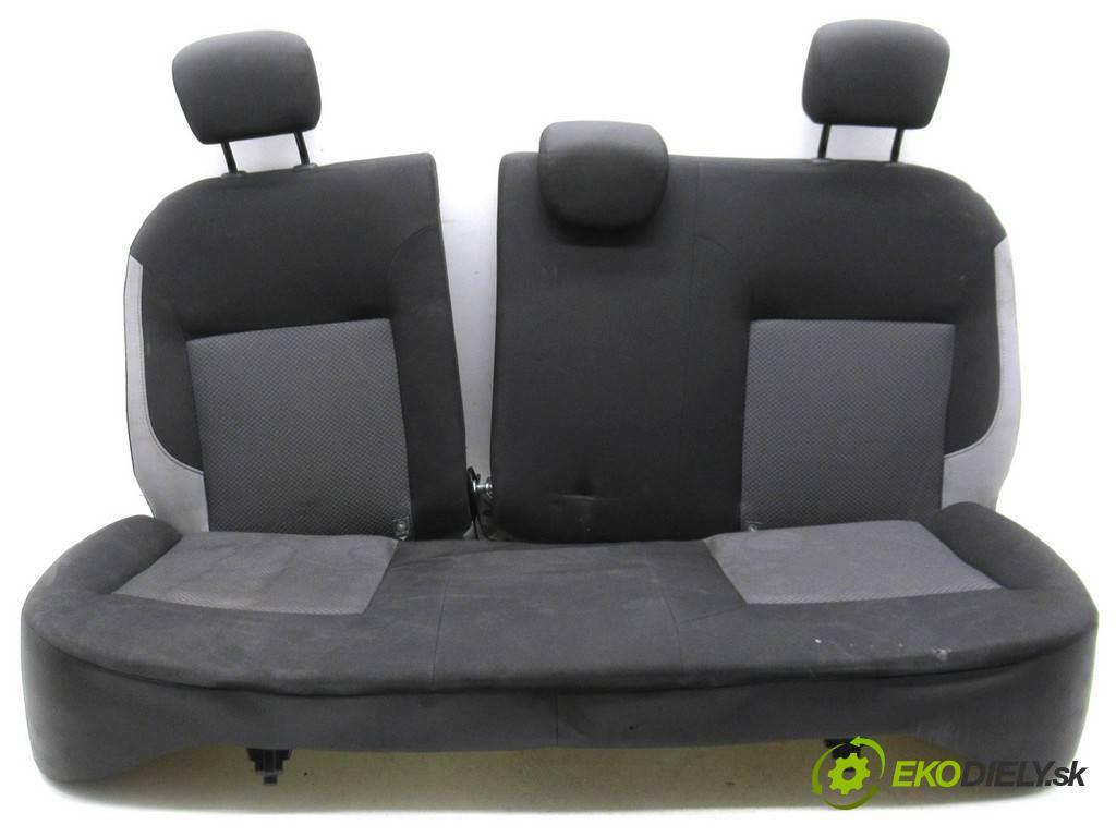 Dacia Logan II  2016 54 kW KOMBI 5D 1.2B 75KM 12- 1200 Sedadlo zad  (Sedačky, sedadlá)