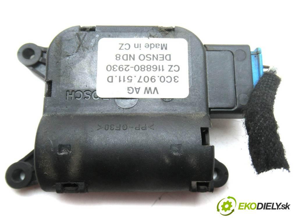 Volkswagen Passat B6  2007 77KW KOMBI 5D 2.0TDI 140KM 05-10 1900 motorek topení 3C1907511D (Motorky topení)