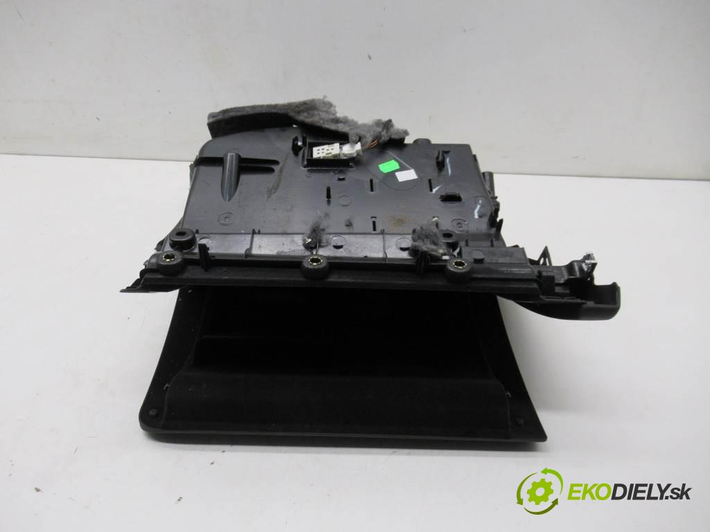 Audi A5 8T LIFT  2015 165 kW SEDAN 4D 2.0TFSI 224KM 11-16 2000 Priehradka, kastlík spolujazdca 8K1857035B (Priehradky, kastlíky)
