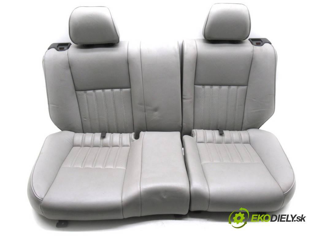 Alfa Romeo 147  2000 110kw HATCHBACK 3D 2.0B 16V 150KM 00-10 2000 Sedadlo zad  (Sedačky, sedadlá)