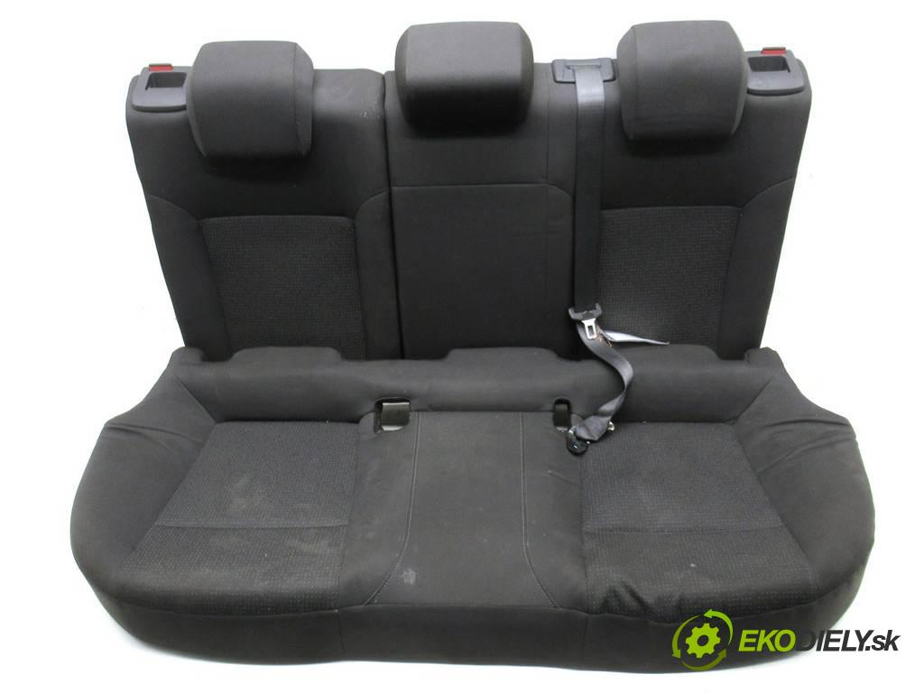 Opel Insignia  2010  LIFTBACK 5D ANGLIK 2.0CDTI 160KM 08-13 2000 Sedadlo zad  (Sedačky, sedadlá)