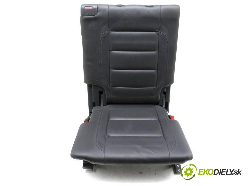 Volkswagen Touran    2.0TDI 140KM 03-15  Sedadlo zadný tretí -  (Sedačky, sedadlá)