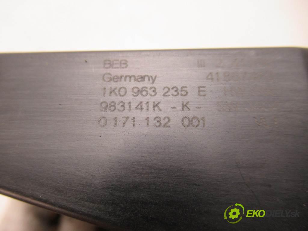 Volkswagen Golf V  2006 77 kW HATCHBACK 5D 1.9TDI 105KM 03-09 1900 Výhrevné teleso, radiátor kúrenia elektrická 1K0963235E (Radiátory kúrenia)