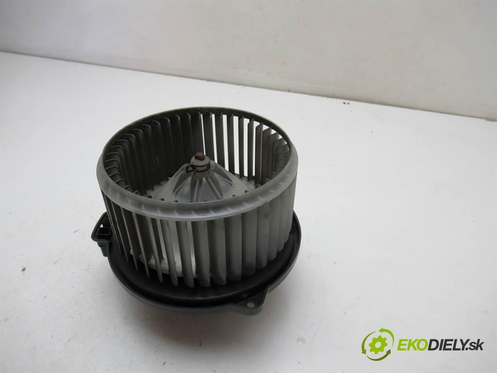 Toyota Corolla E12  2002 97KM HATCHBACK 3D 1.4VVTI 97KM 02-07 1400 ventilátor - topení 016070-0610 (Ventilátory topení)