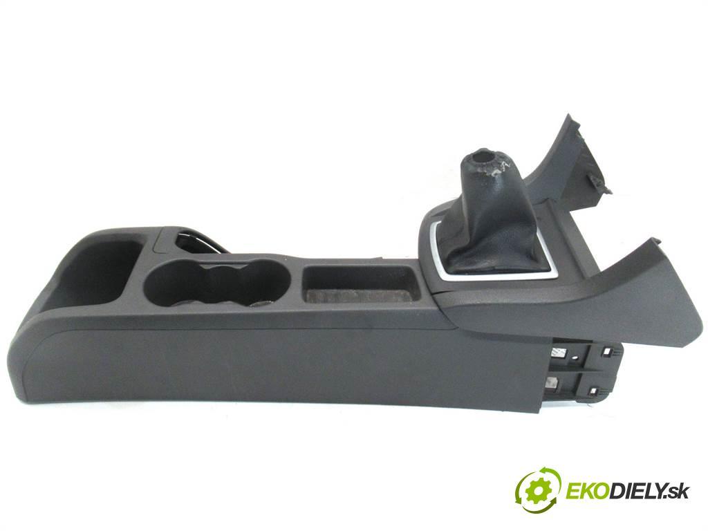 Ford Focus II  2007 66 kW KOMBI 5D 1.6TDCI 90KM 04-11 1600 Tunel stredový  (Stredový tunel / panel)