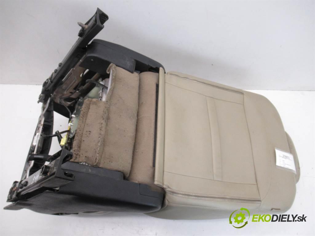 Nissan X-Trail  2011 110 kW T31 2.0DCI 150KM 01-07 2000 Sedadlo pravy  (Sedačky, sedadlá)