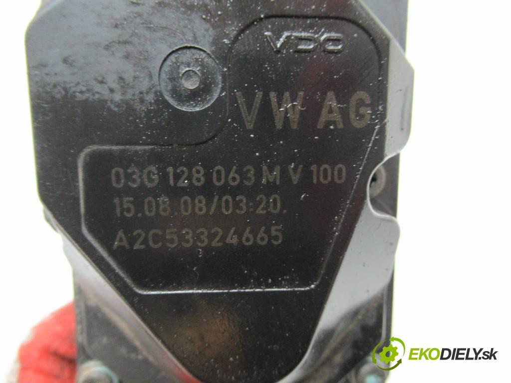 Volkswagen Golf V  2008 77KW PLUS 1.9TDI 105KM 03-09 1896 škrtíci klapka 03G128063M (Škrticí klapky)