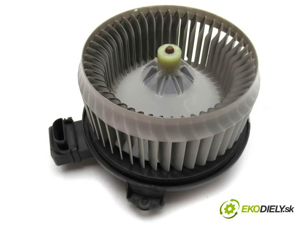 Honda Civic VIII  2007 103 kW SEDAN 1.8B 140KM 06-11 1800 ventilátor topení AY272700-0440 (Ventilátory topení)
