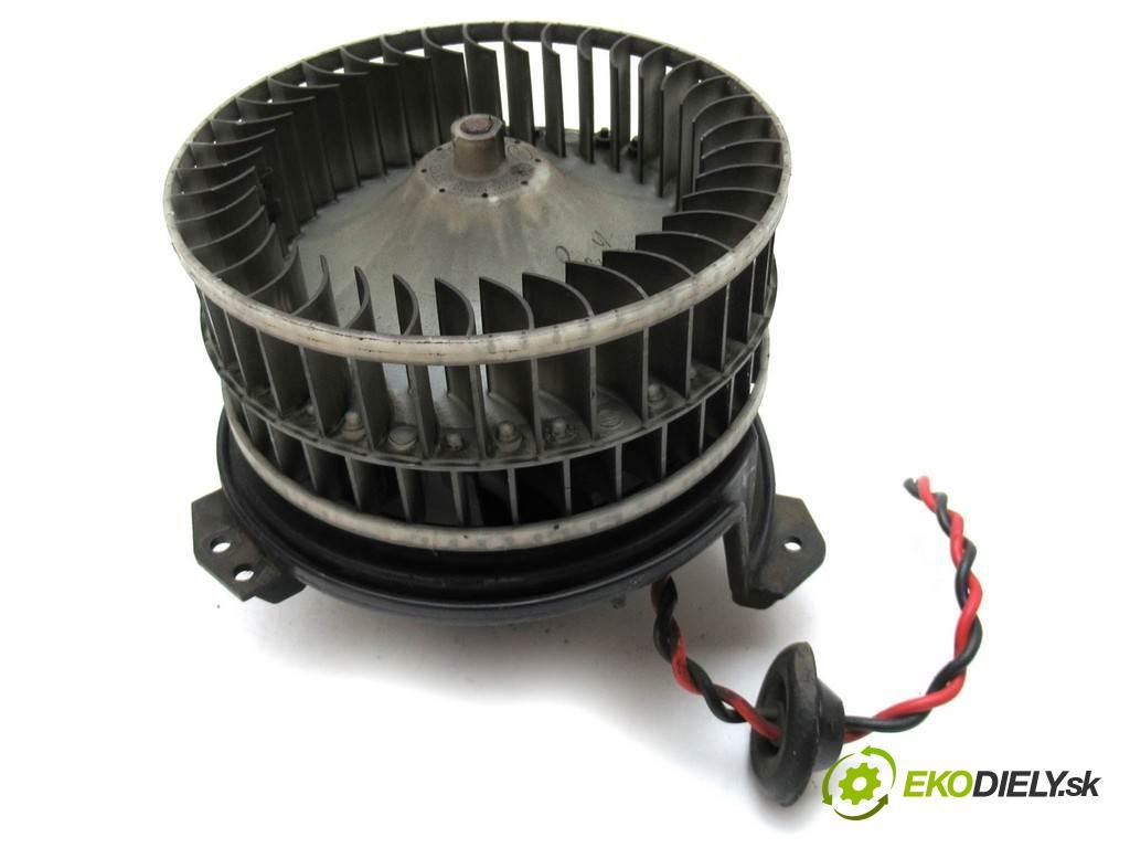 Chrysler Voyager IV  2006 108 kW 2.4B 147KM 01-07 2500 ventilátor topení AY166100-0365 (Ventilátory topení)
