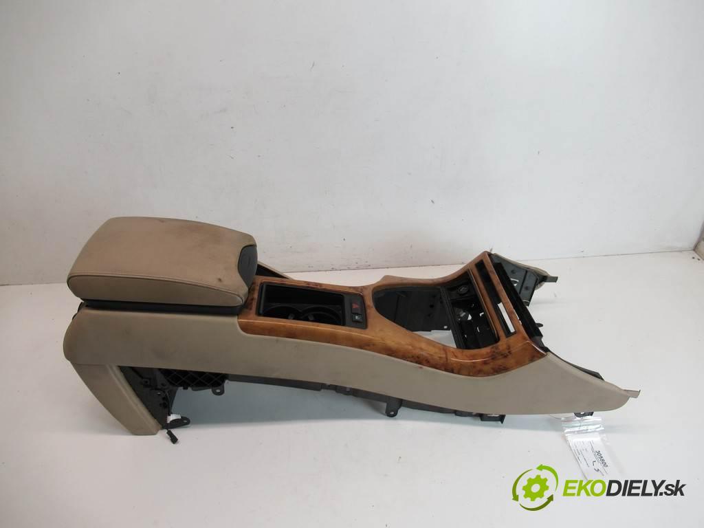 BMW X5  2001 210 kW E53 4.4 V8 286KM 99-06 4400 Tunel stredový  (Stredový tunel / panel)