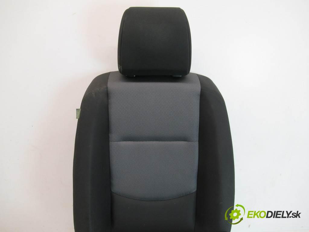Mazda 5 Premacy II  2006 107 kW 2.0B 146KM 05-10 2000 Sedadlo pravy  (Sedačky, sedadlá)