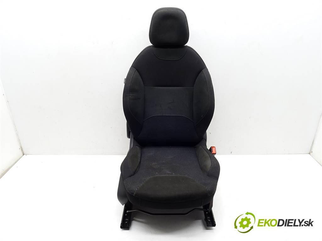 Citroen C3 II  2012 70 kW HATCHBACK 5D 1.4VTI 95KM 09-16 1400 Sedadlo pravy  (Sedačky, sedadlá)