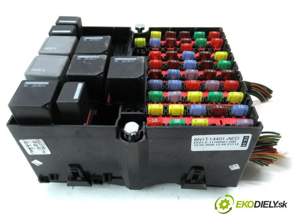 Ford Fusion LIFT    HATCHBACK 5D 1.4B 80KM 05-12  skříňka poistková 6N1T14401AED (Pojistkové skříňky)