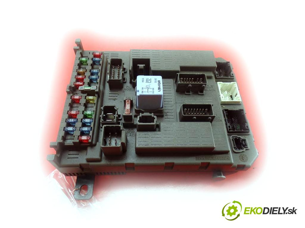Citroen C5  2002 117KM KOMBI 5D 1.8B 115KM 01-04 1800 skříňka poistková 9649301580 (Pojistkové skříňky)