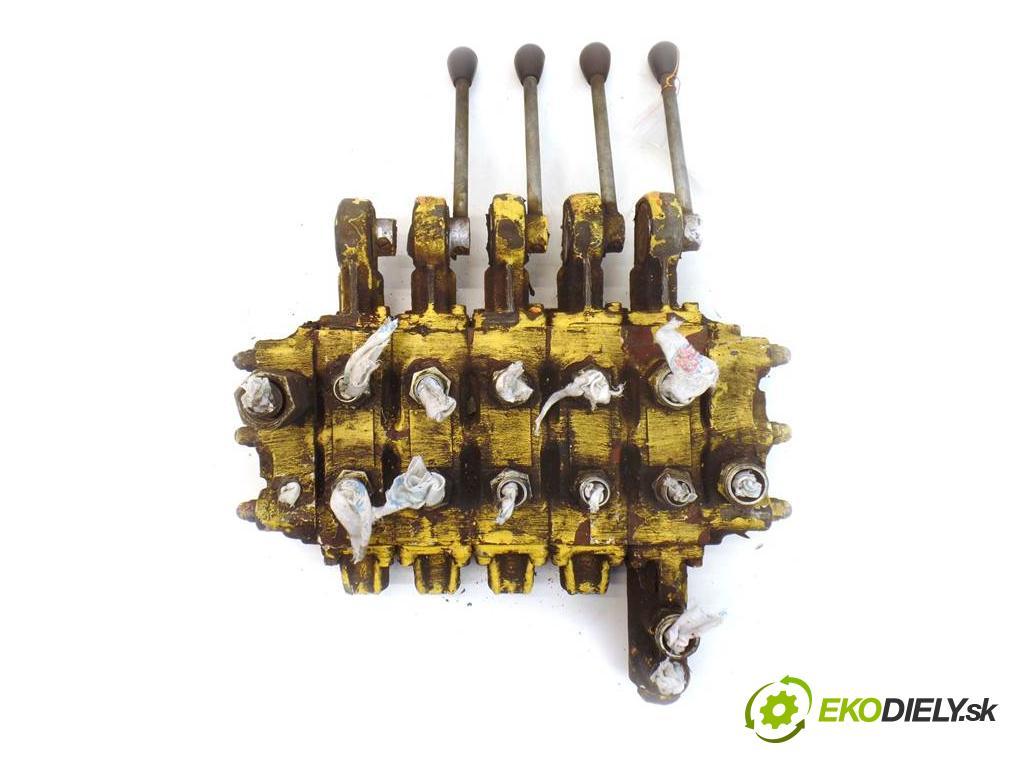 . Siena    DŹWIG IFA PIĘCIOSEKCYJNY  Rozdeľovač hydraulický  (Rozdeľovače)