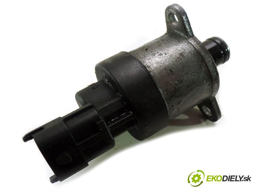 Mazda 3  2004 109KM HATCHBACK 5D 1.6 DI 109KM Y601  1600 Regulátor tlaku paliva  (Ostatné)